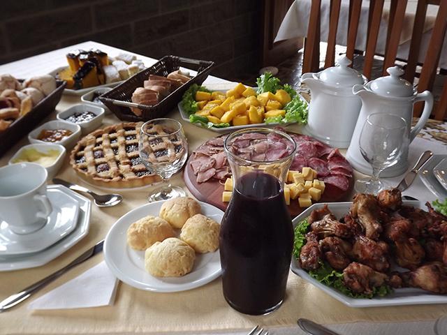 Casa-Fracalossi-Cafe-Colonial-Bonitour-Passeios-em-Serra-Gaucha-2380667_5836.jpg
