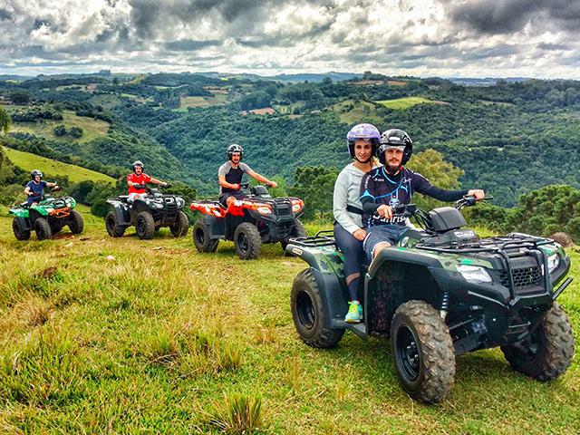 Cia-Aventura-Quadriciclo-Bonitour-Passeios-em-Serra-Gaucha-2388424_5807.jpg
