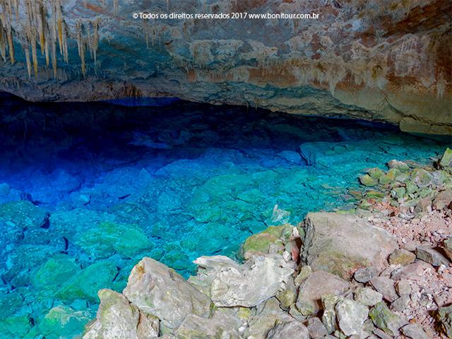 Gruta-do-lago-azul-Bonitour-Passeios-em-Bonito-MS-1108_2356.jpg - Passeios em Bonito MS