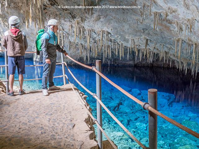Gruta-do-lago-azul-Bonitour-Passeios-em-Bonito-MS-1108_2360.jpg - Passeios em Bonito MS