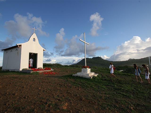 Ilha-tour-Bonitour-Passeios-em-Fernando-Noronha-525683_5993.jpg - Passeios em Bonito MS