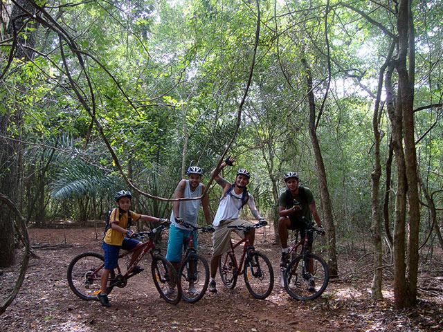 Lobo-Guara-Bike-Bonitour-Passeios-em-Bonito-MS-1382_1945.jpg