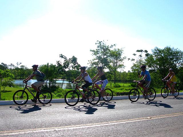 Lobo-Guara-Bike-Bonitour-Passeios-em-Bonito-MS-1382_1950.jpg