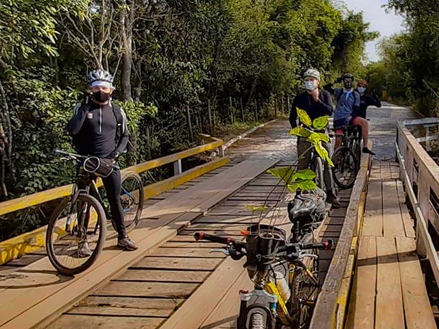 Lobo-Guara-Kids-Trilha-Bosque-das-Aguas-Bonitour-Passeios-em-Bonito-4581259_71425.jpg