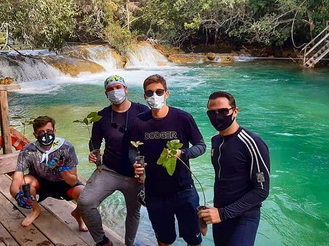 Lobo-Guara-Kids-Trilha-Bosque-das-Aguas-Bonitour-Passeios-em-Bonito-4581259_71426.jpg