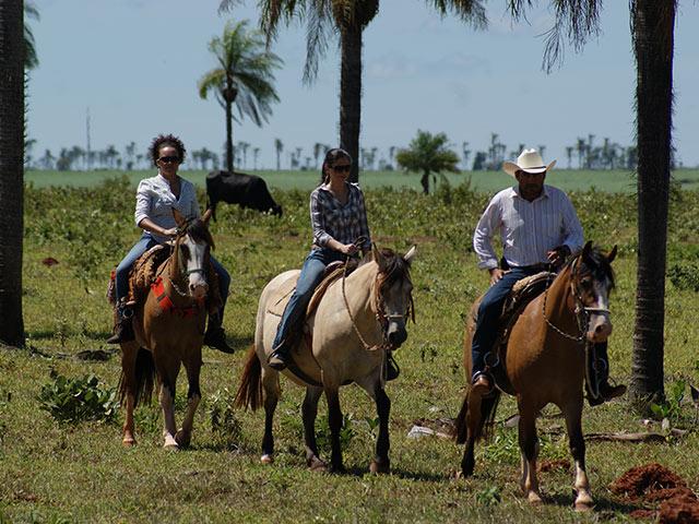 Rio-da-prata-cavalgada-Bonitour-Passeios-em-Bonito-MS-1594_1991.jpg - Passeios em Bonito MS