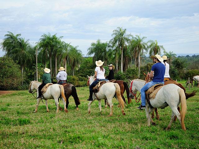 Rio-da-prata-cavalgada-Bonitour-Passeios-em-Bonito-MS-1594_1992.jpg - Passeios em Bonito MS