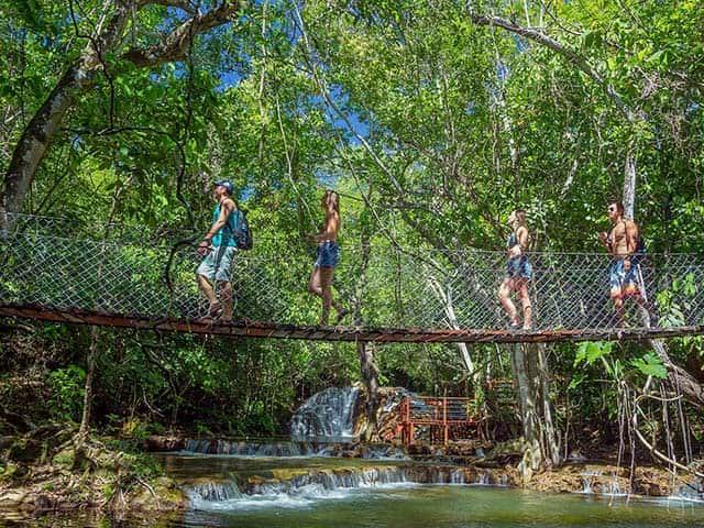 cachoeiras-serra-da-bodoquena-Bonitour-Passeios-em-Bonito-MS-1302706_1864.jpg