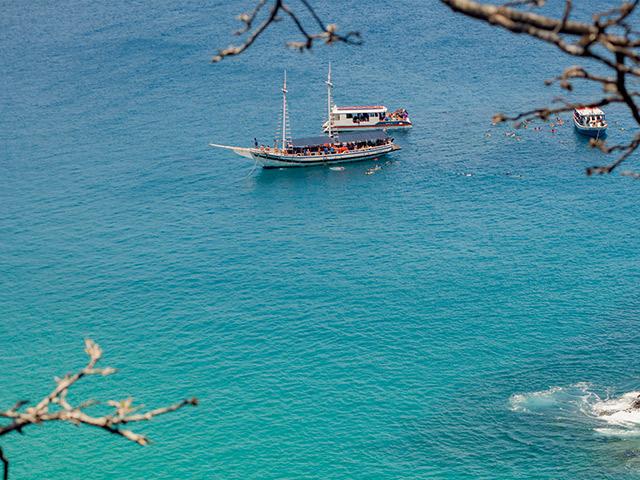 passeios-de-barco-Bonitour-Passeios-em-Fernando-Noronha-525708_6227.jpg