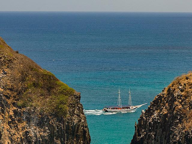 passeios-de-barco-Bonitour-Passeios-em-Fernando-Noronha-525708_6229.jpg