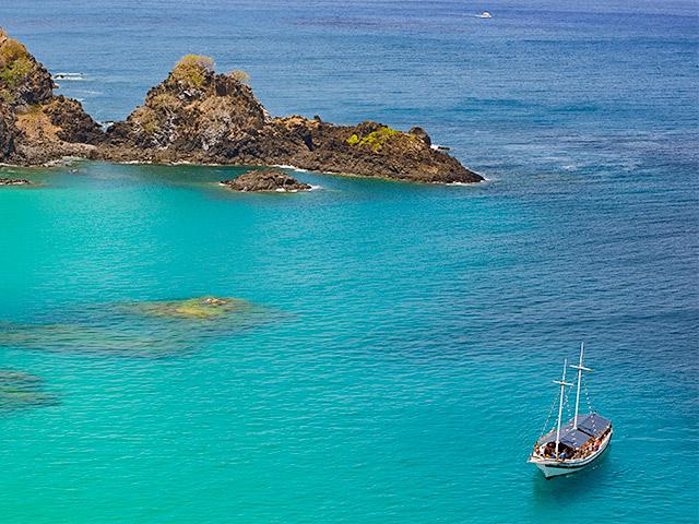 passeios-de-barco-Bonitour-Passeios-em-Fernando-Noronha-525708_6231.jpg