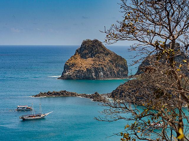 passeios-de-barco-Bonitour-Passeios-em-Fernando-Noronha-525708_6232.jpg