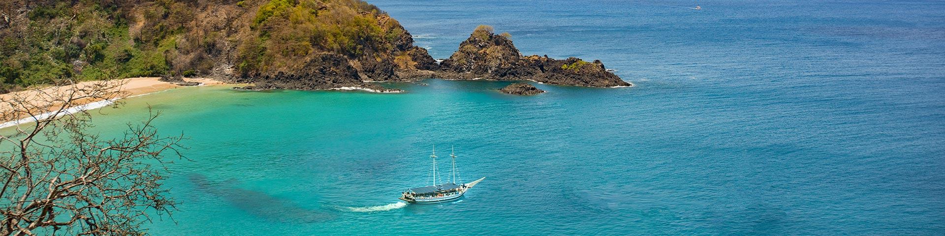 passeios-de-barco-Bonitour-Passeios-em-Fernando-Noronha-525708_6226.jpg